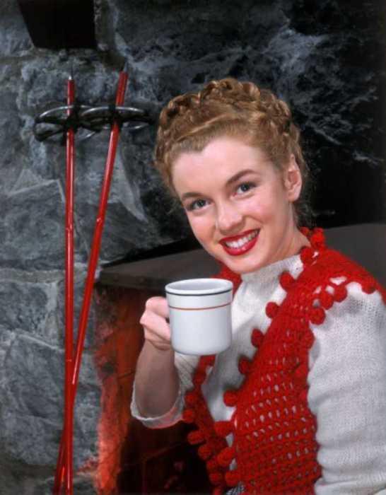 Известная модель Норма Джин привлекла внимание голливудских продюсеров.