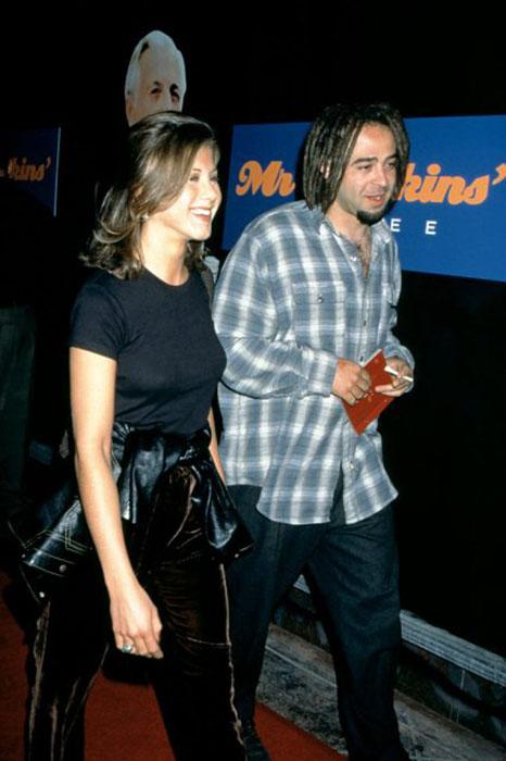 Дженнифер Энистон и Адам Дуриц в 1995 году.