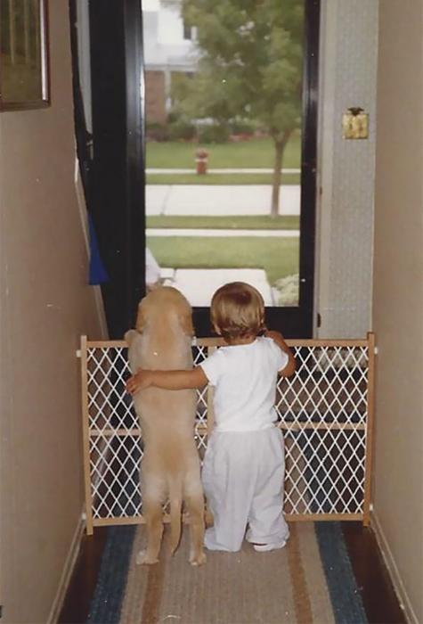 Мальчик и его щенок, около 1988 г.