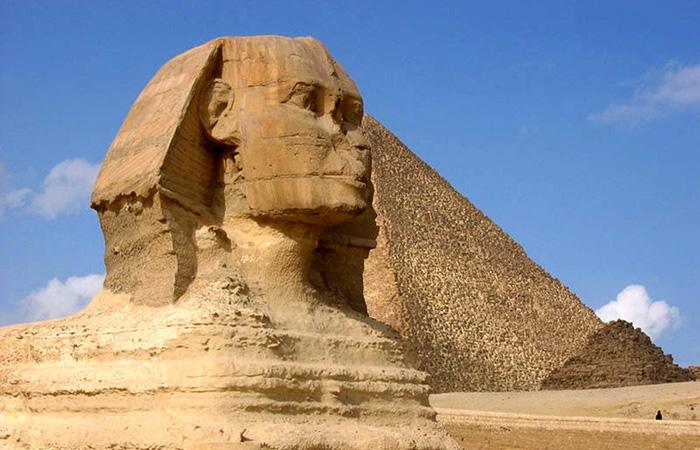Кто и зачем отбил носы египетским статуям