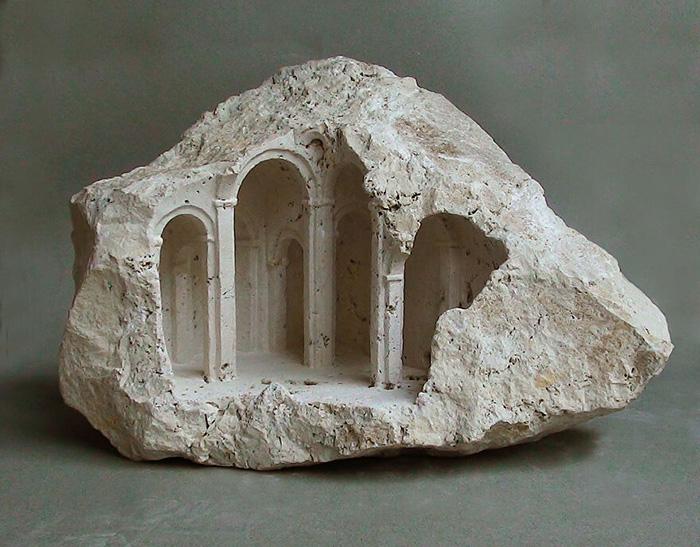 Художника всегда интересовали исторические здания.