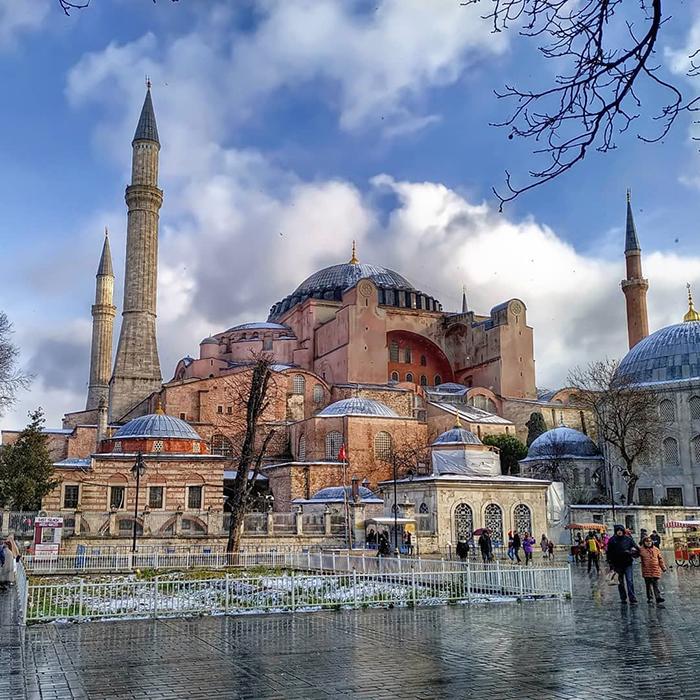 Статус музея Святая София приобрела благодаря первому президенту Турции, Кемалю Ататюрку в 1935 году.