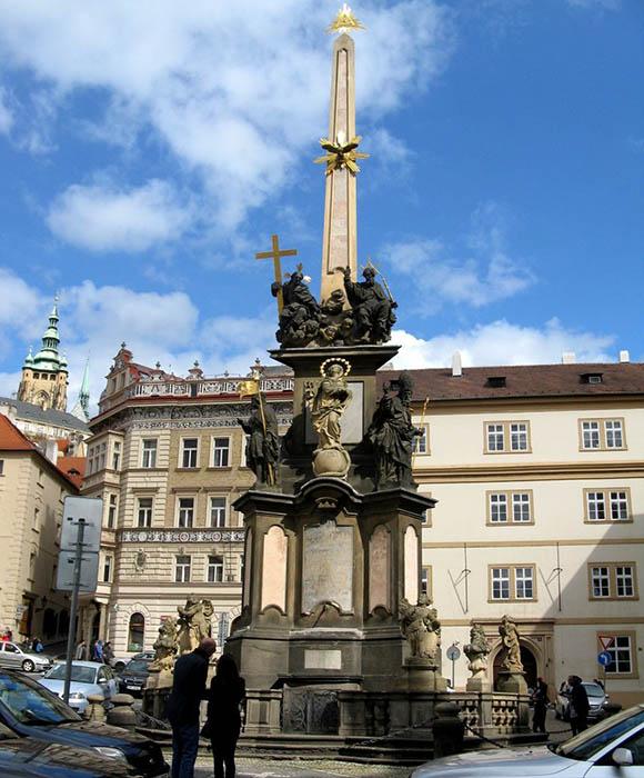 Чумная колонна в Праге.