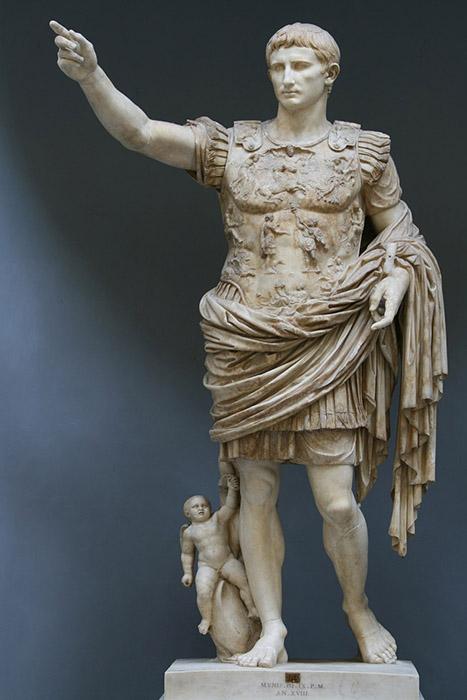 Гай Юлий Цезарь Октавиан - внучатый племянник Цезаря, взявший его имя.