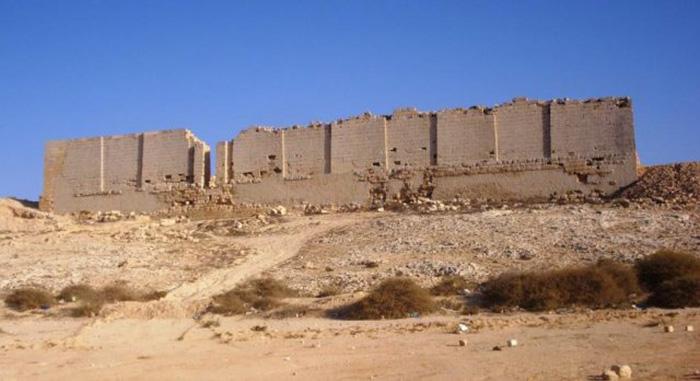 Северная сторона храма Тапосирис Магна.