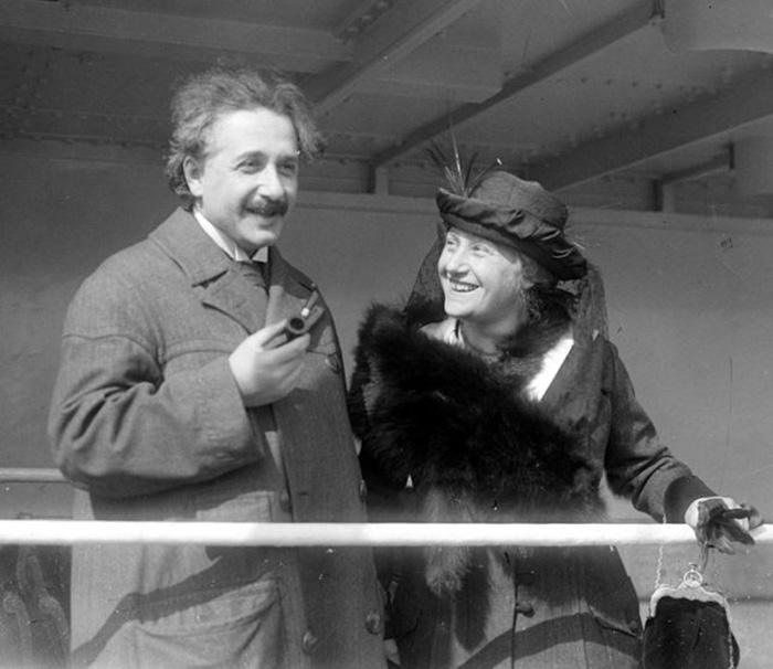 Эйнштейн с женой Эльзой, 1921 год.