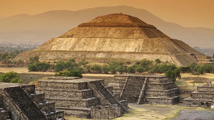 Все впечатляющие пирамиды Теотиуакана строились одновременно.
