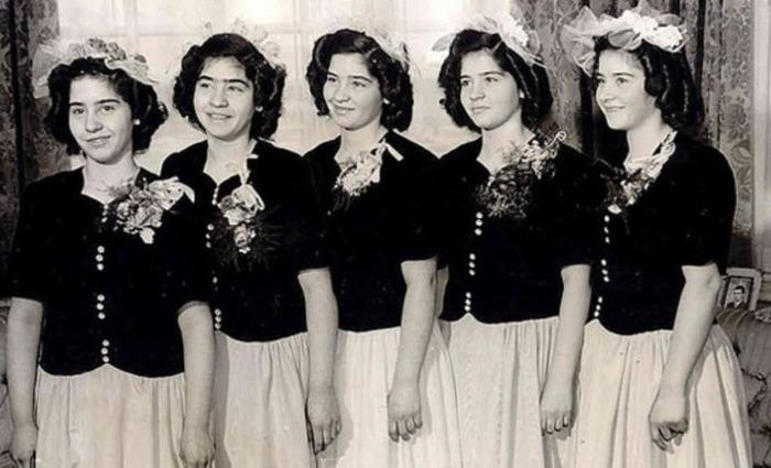 После того как девочкам исполнилось 18, они уехали учиться в Квебек.
