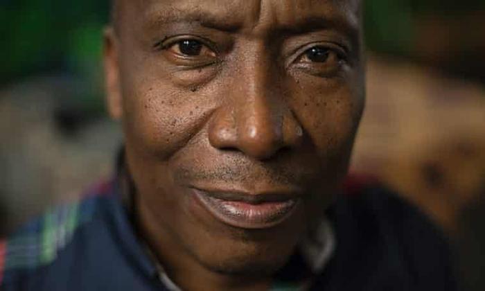 Элиас Мулунгула, бывший переводчик Мобуту и министр.