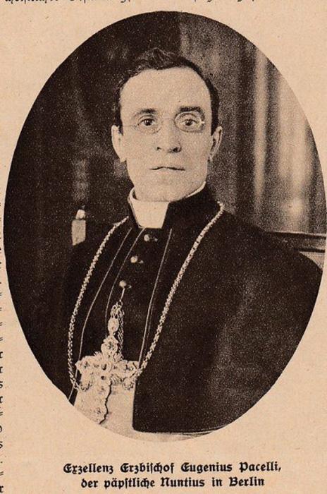 Эудженио Пачелли в 1927 году, будущий папа Пий XII.