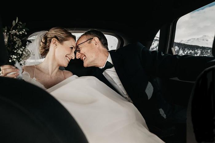 Отец и дочь - одно лицо.