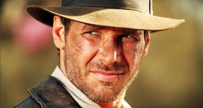 Харрисон Форд в роли бесстрашного исследователя Индианы Джонса.