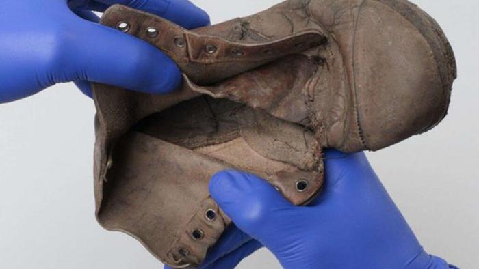 Ботинок шестилетней жертвы Холокоста, Амоса Штайнберга.