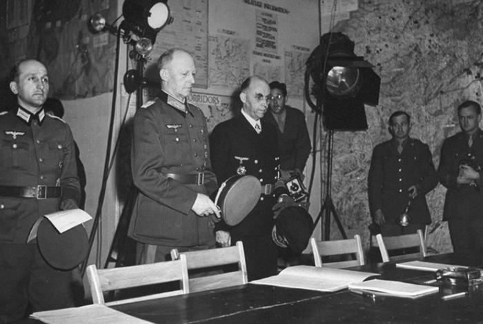 Первое подписание состоялось 8 мая в Реймсе.
