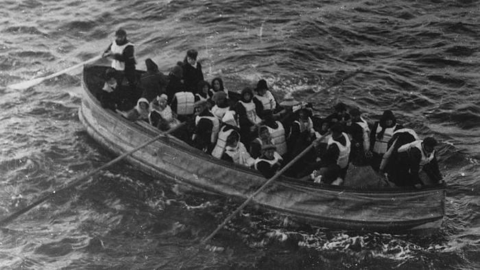 Спасательных шлюпок не хватало на всех, но об этом тогда никто не знал.
