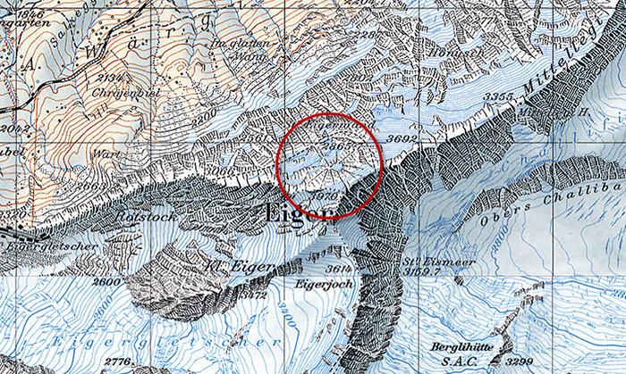 В контурах горных вершин, действительно напоминающих паутину, спрятали изображение паука.