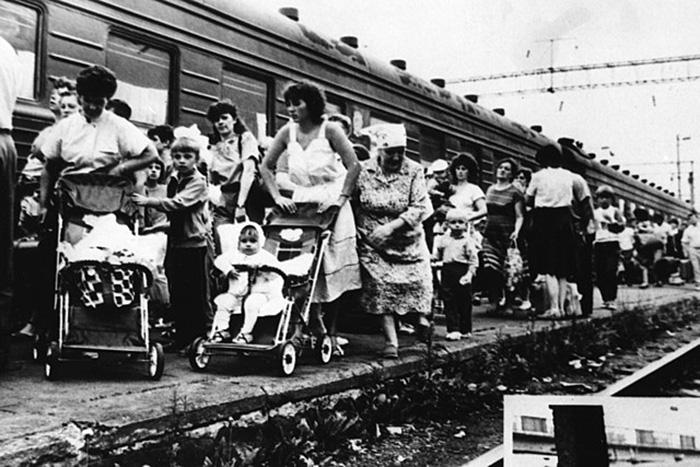 Родители из загрязнённых радиацией территорий выезжали за границу, чтобы лечить своих детей.
