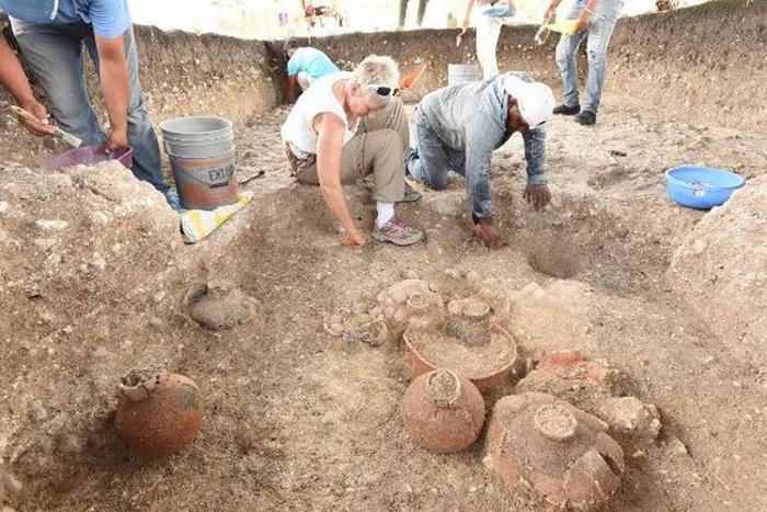 Раскопки начались после детального изучения геоданных.