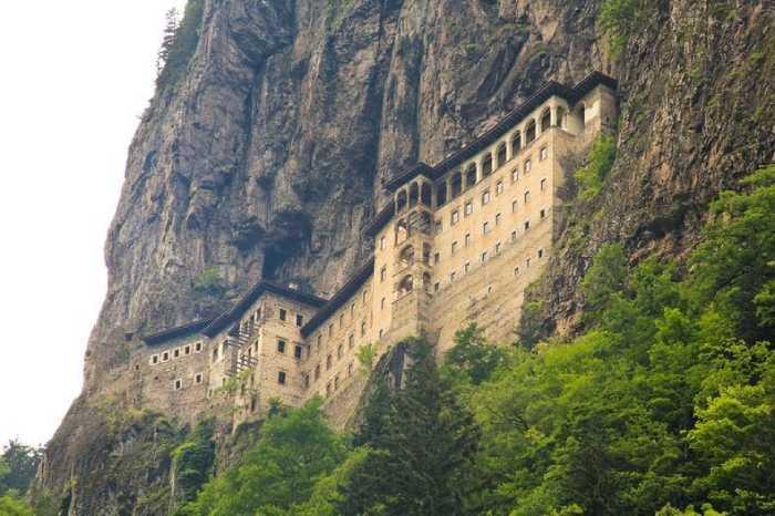 Монастырь приобрёл свой нынешний вид в 13 веке.