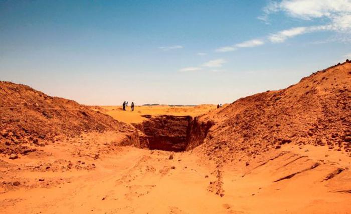 Районе Джебель-Марага в пустыне Байуда, примерно в 270 км к северу от столицы Судана, Хартума.