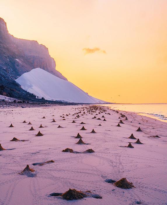 Массовый туризм может убить прекрасную природу острова.