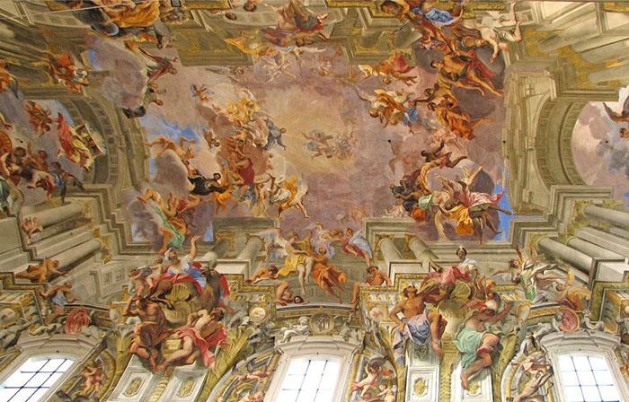 Шедевр Андреа Поццо на потолке нефа церкви Святого Игнатия.