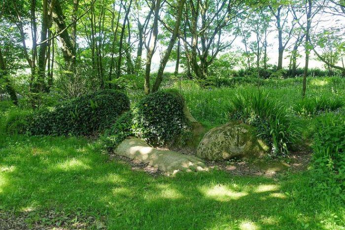 Культовая скульптура Затерянных садов Хелигана «Грязевая дева».