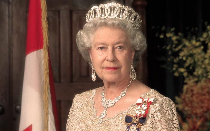 В 2011 году королева посетила Ирландскую республику.