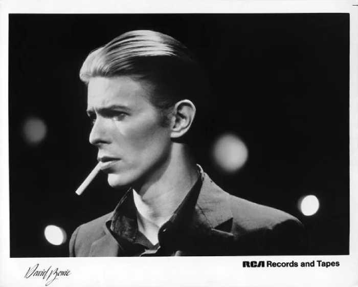 Боуи в образе Белого Герцога, 1976 год.