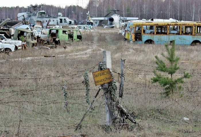 Так называемое «машинное кладбище» в селе Россоха.