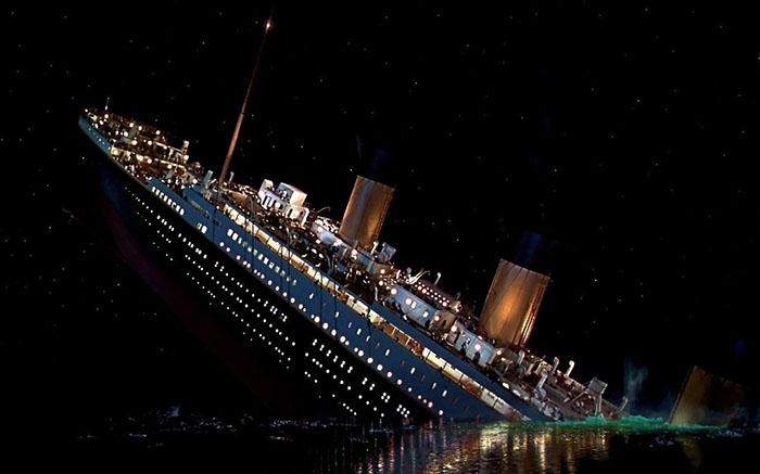 Меньше трёх часов понадобилось, чтобы непотопляемый корабль затонул.