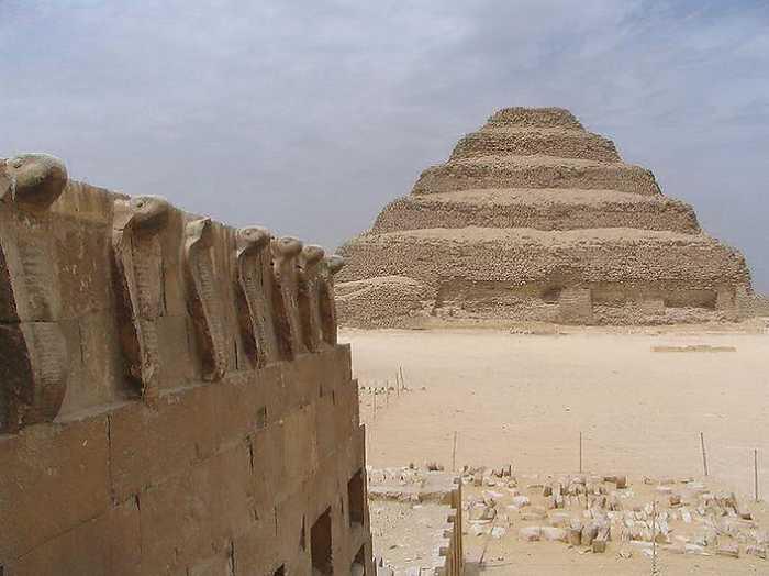 Шесть ступеней пирамиды для того, чтобы фараон поднялся на небо.