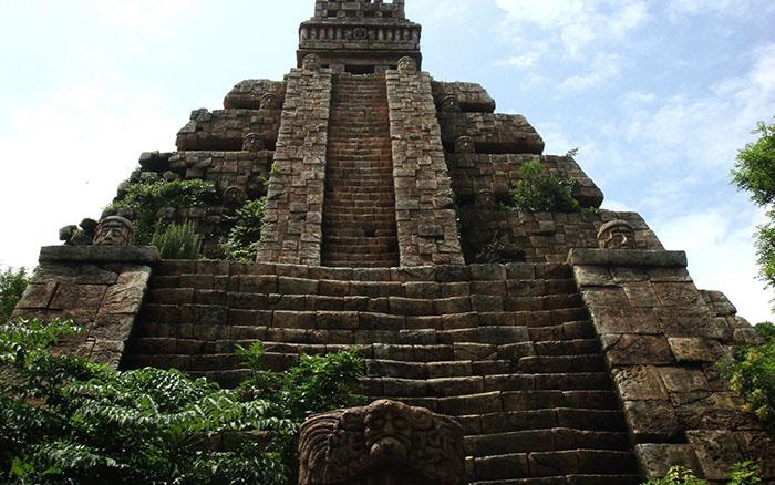 Храм ацтеков.
