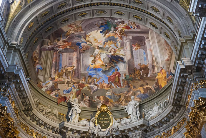 Фрески на апсиде Андреа Поццо, изображающие сцены из жизни св. Игнатия.