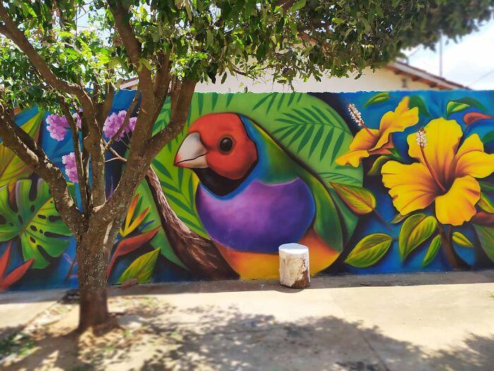 Великолепными работами мастера стрит-арт поделились в своих социальных сетях даже голливудская звезда Виола Дэвис и мама Бейонсе Тина Ноулз. / Фото: instagram.com/fabiogomestrindade