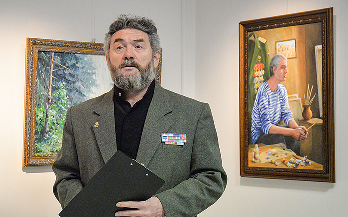 Поэт и художник Евгений Бунтов. / Фото: uralinform.ru