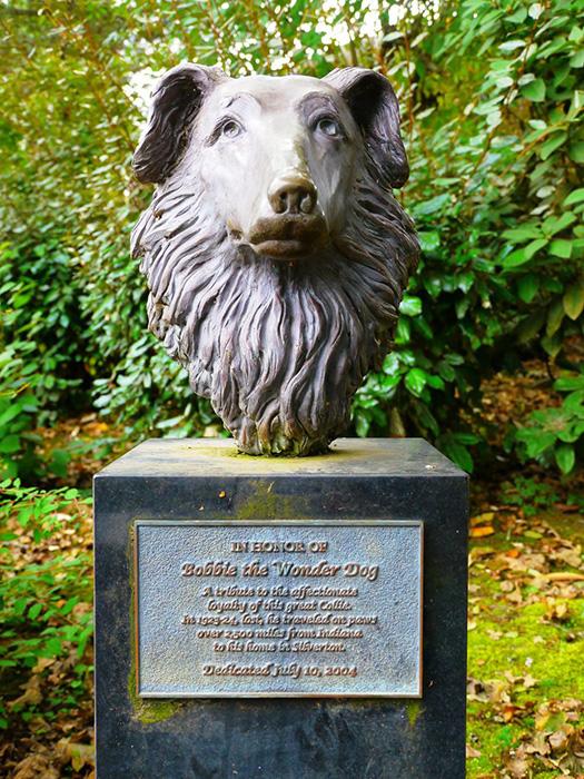 Статуя Бобби в родном Сильвертоне. Фото: Рик Обст из Flickr.