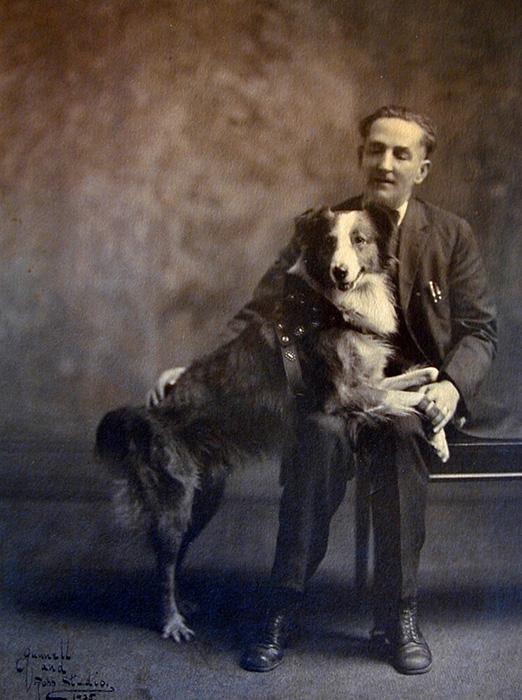 Бобби со своим владельцем, Фрэнком Брейзером. Фото из семейного архива семьи Брейзер.
