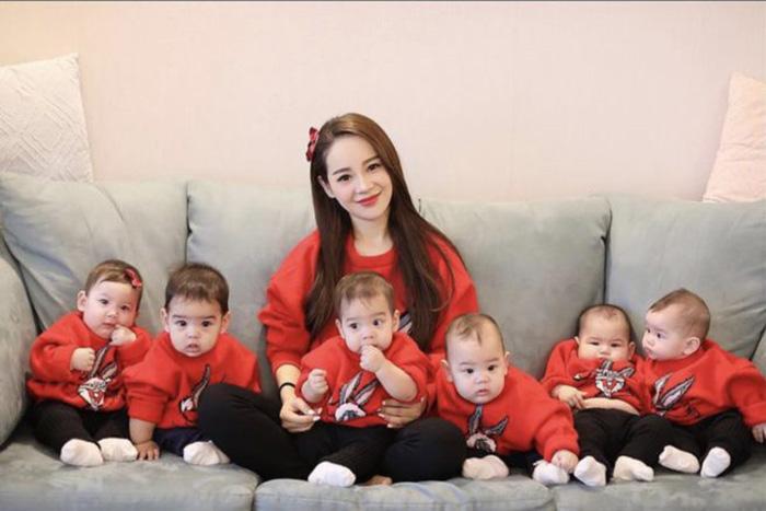 Вэй Мэконг с детьми. / Фото: baginya.org