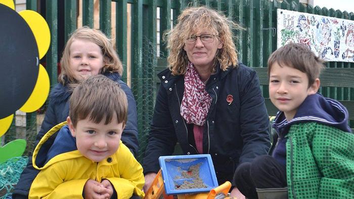 В настоящее время в школе всего три ученика. / Фото: bbc.com