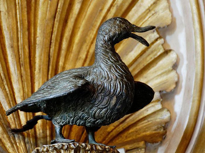 Бронзовая скульптура гуся в Капитолийских музеях. / Фото: Мари-Лан Нгуен / Wikimedia Commons