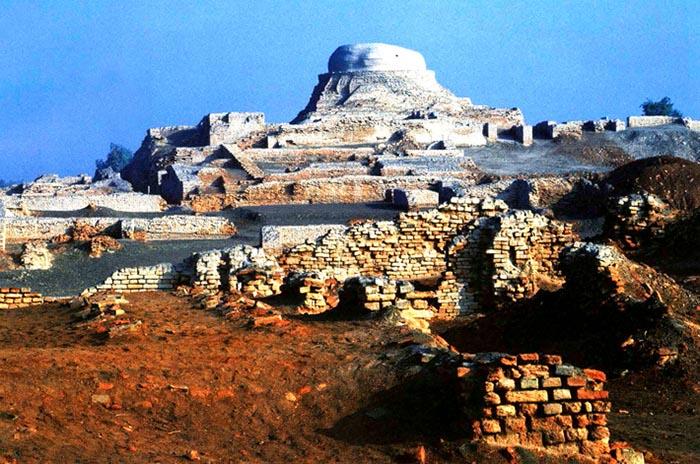 Древний город Мохенджо-Даро.