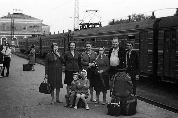 Советский человек соблюдал традицию, только не знал зачем. / Фото: gettyimages.com