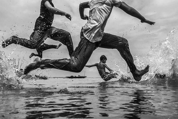 Время прыжков. / Фото: Такрим Ахмед/urbanphotoawards.com