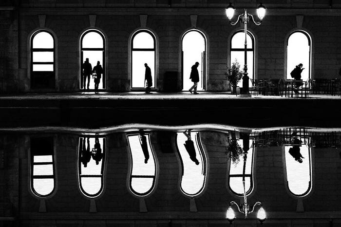 Силуэты и размышления. / Фото: Джанкарло Штаубманн/urbanphotoawards.com