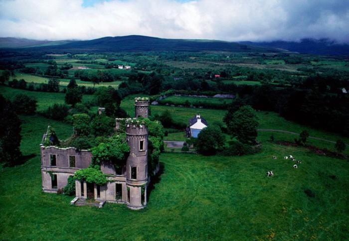Заброшенный особняк. Ирландия.