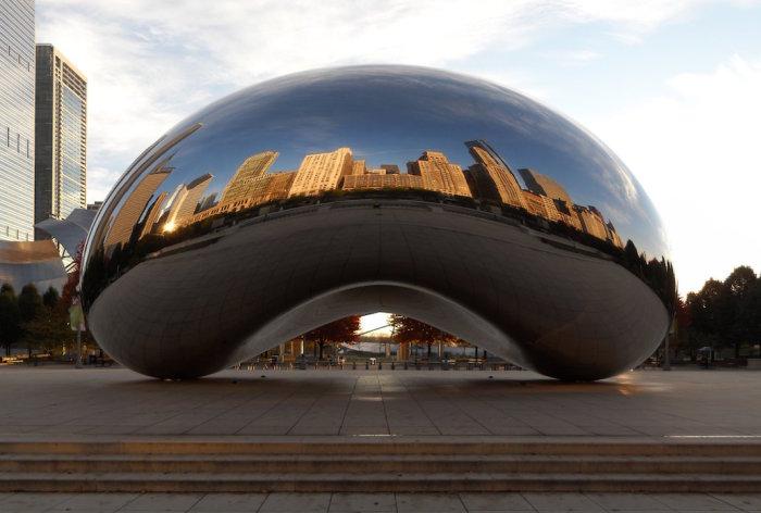 Облачные ворота в Чикаго. Автор: Anish Kapoor. | Фото: google.ru.