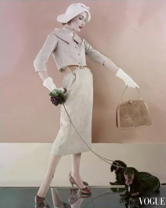 Дама с собачкой. Элегантный образ от Karen Radkai.