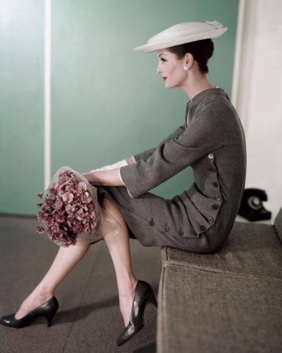 Женственный образ от Karen Radkai.