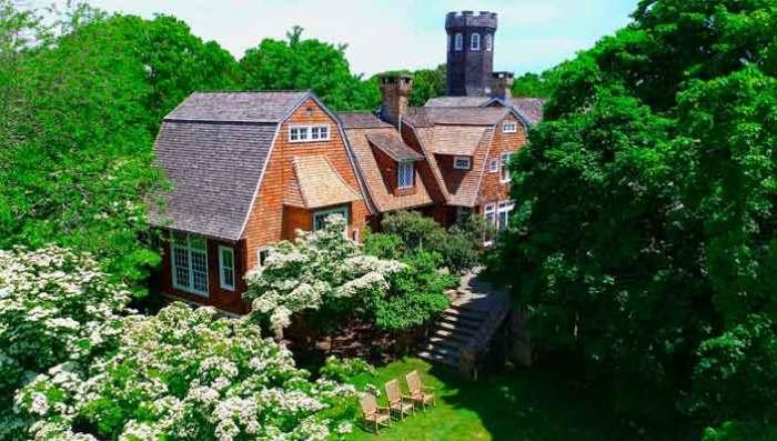 Дом с башней. \ Фото: bigbucks.com.ua.